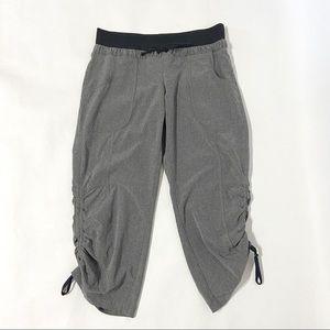 Athleta Gray & Black Cropped Capri Athletic Pants